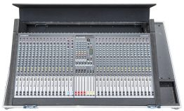Allen and Heath GL 2400 mengpaneel 550px _W3R3956