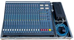 Soundcraft-200B-16-4-2 mengtafel