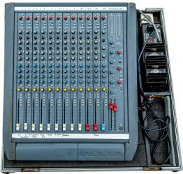 Soundcraft-Delta-12-mengtafel